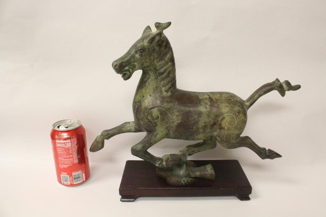 Extremely heavy Chinese bronze horse on stand - 10