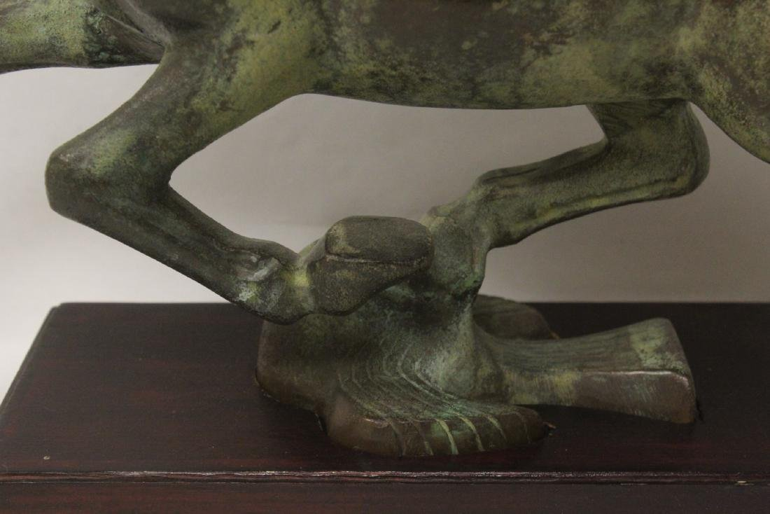 Extremely heavy Chinese bronze horse on stand - 4