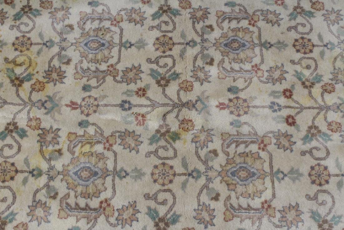 A vintage palace size Chinese rug - 3