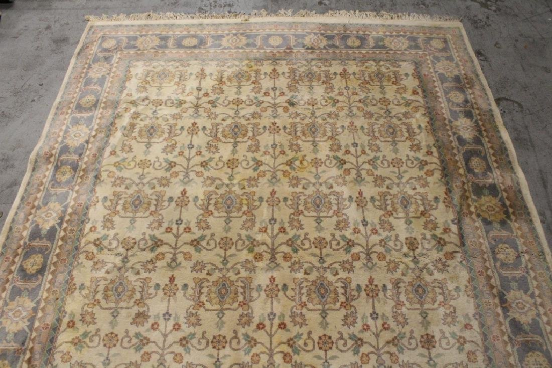 A vintage palace size Chinese rug - 5
