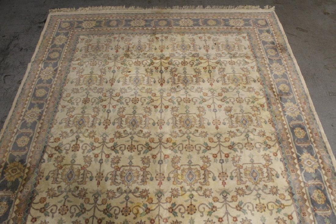 A vintage palace size Chinese rug - 6