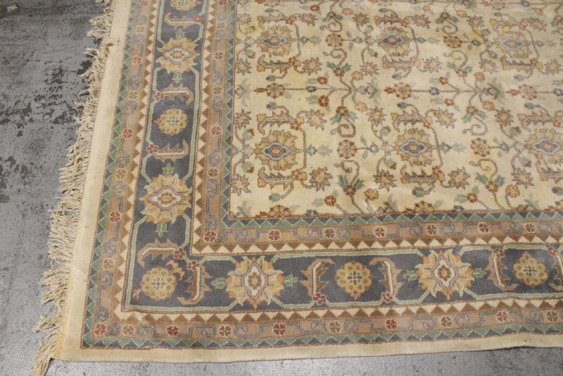 A vintage palace size Chinese rug - 7