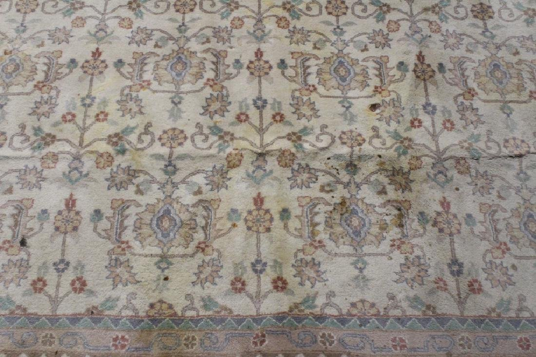A vintage palace size Chinese rug - 8