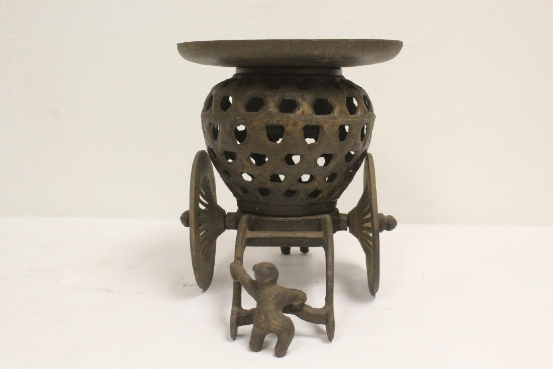 Japanese cast iron ikebana planter in wagon motif - 3