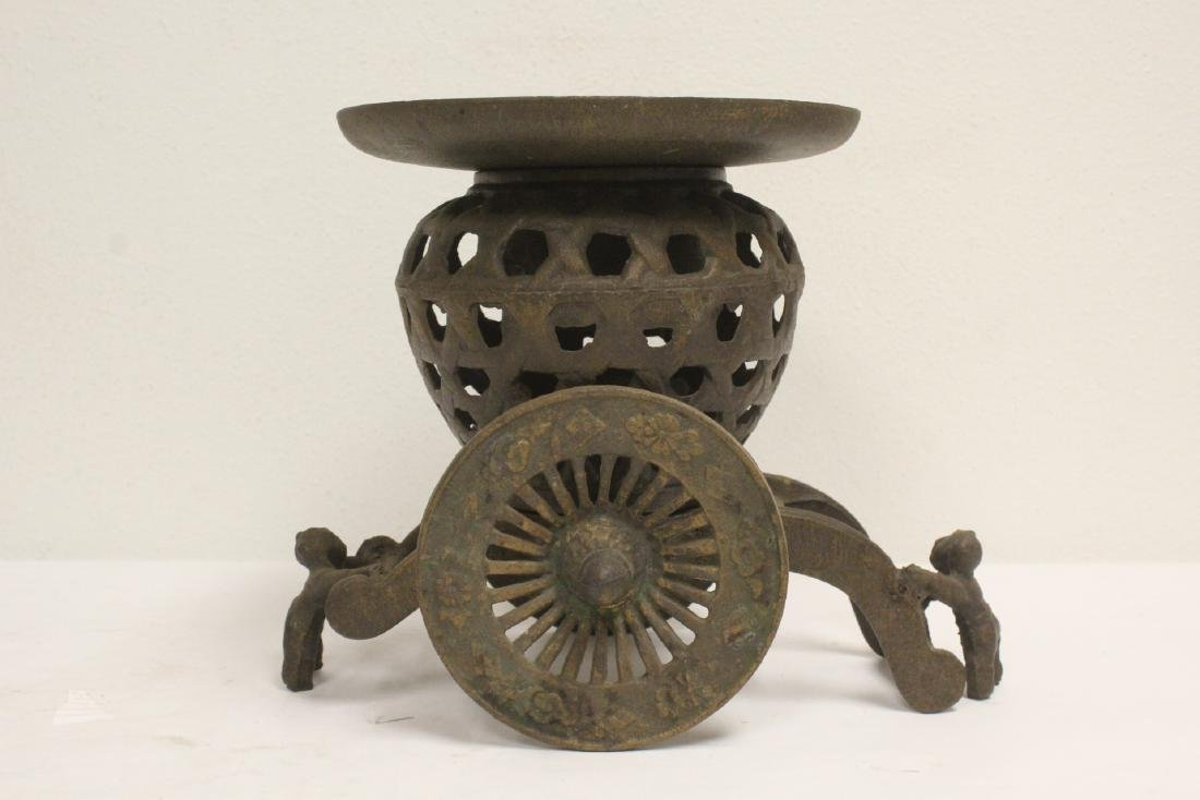 Japanese cast iron ikebana planter in wagon motif - 4