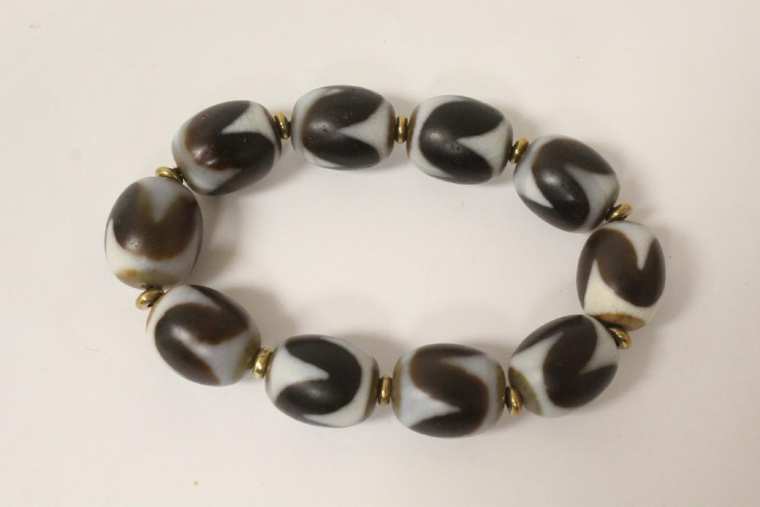 Chinese dzi bead bracelet & a huali wood bead necklace - 6