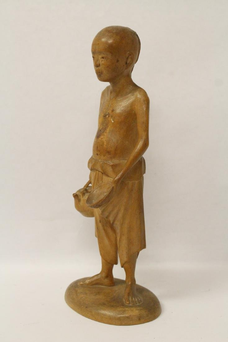 Very fine wood carved figure - 2