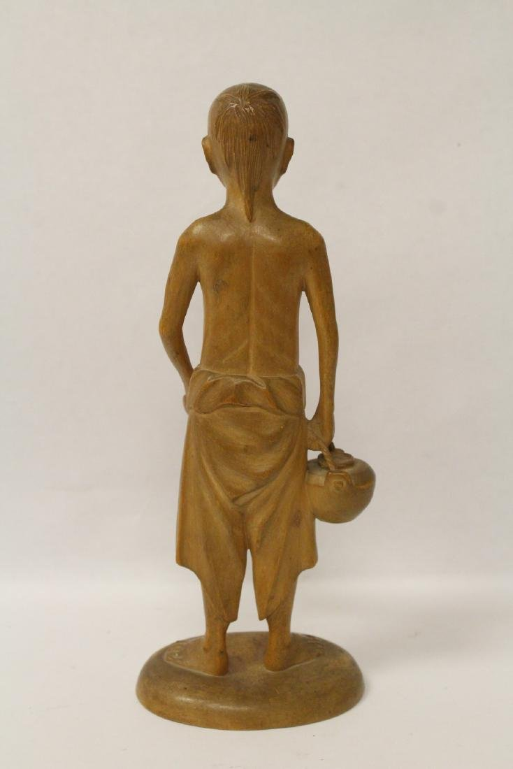 Very fine wood carved figure - 4