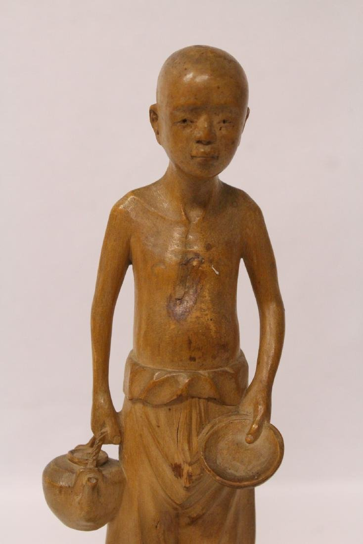 Very fine wood carved figure - 5