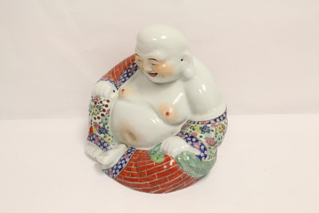 Chinese wucai porcelain Buddha statue - 2