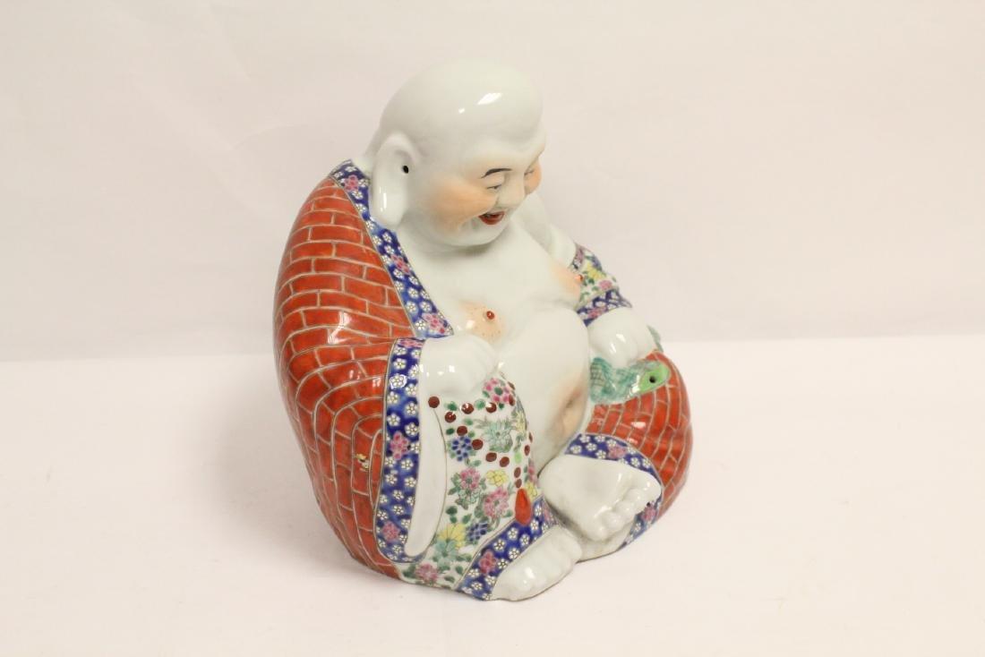 Chinese wucai porcelain Buddha statue - 3