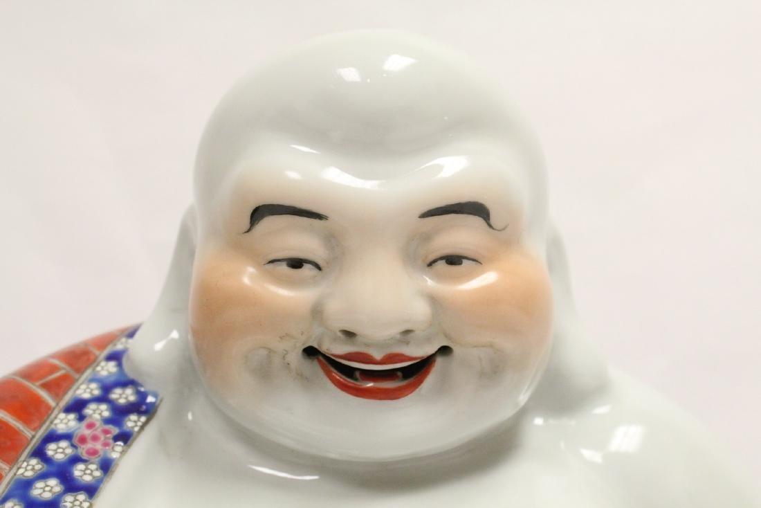 Chinese wucai porcelain Buddha statue - 7