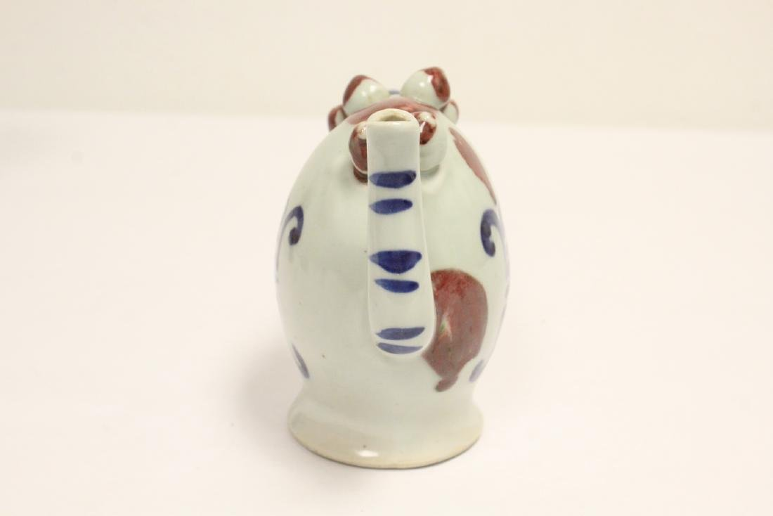 Wucai porcelain vase, and a wine server - 4