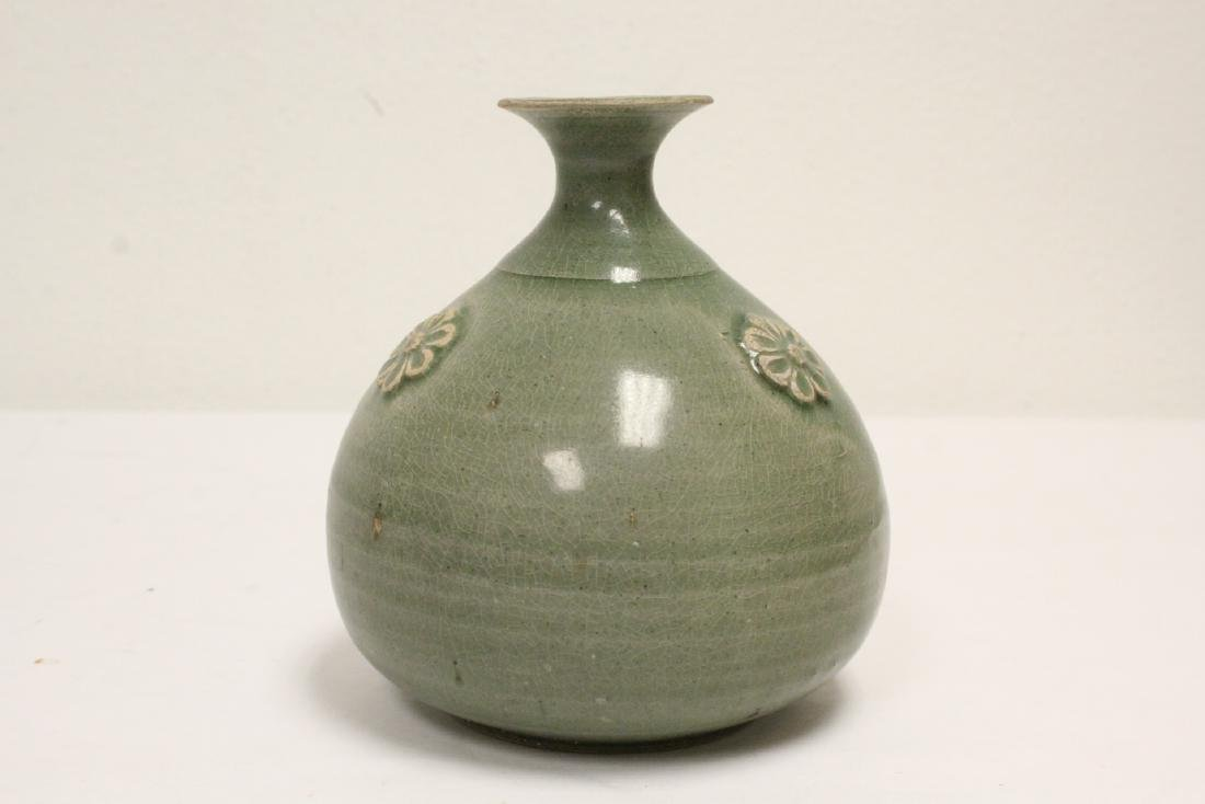 Song style celadon jar - 3
