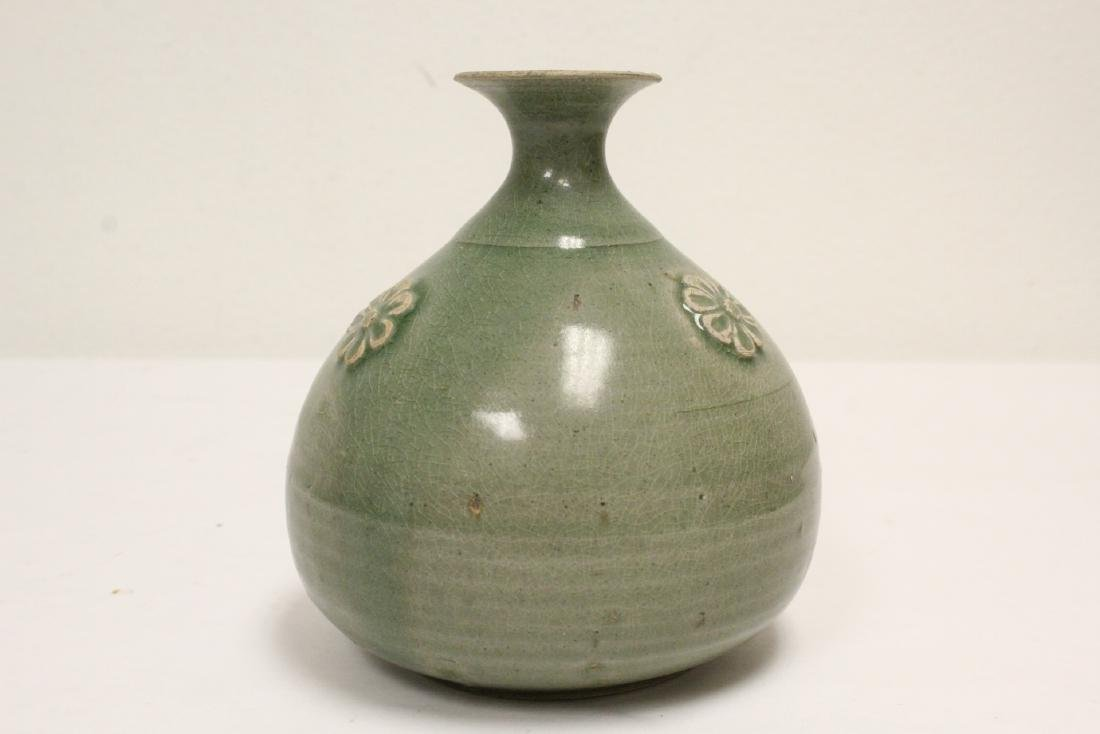 Song style celadon jar - 5