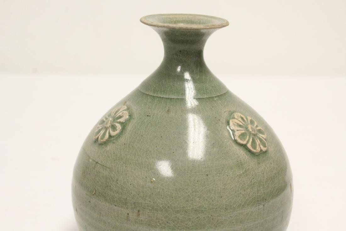 Song style celadon jar - 8
