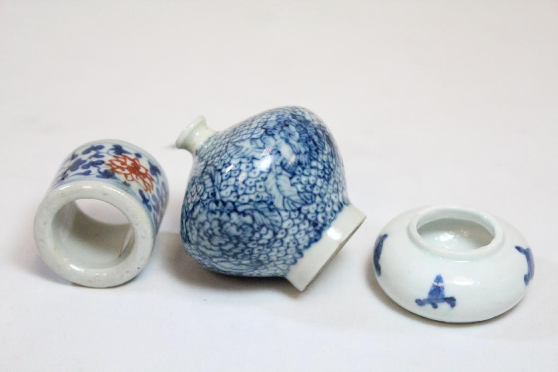3 miniature porcelain pieces - 6