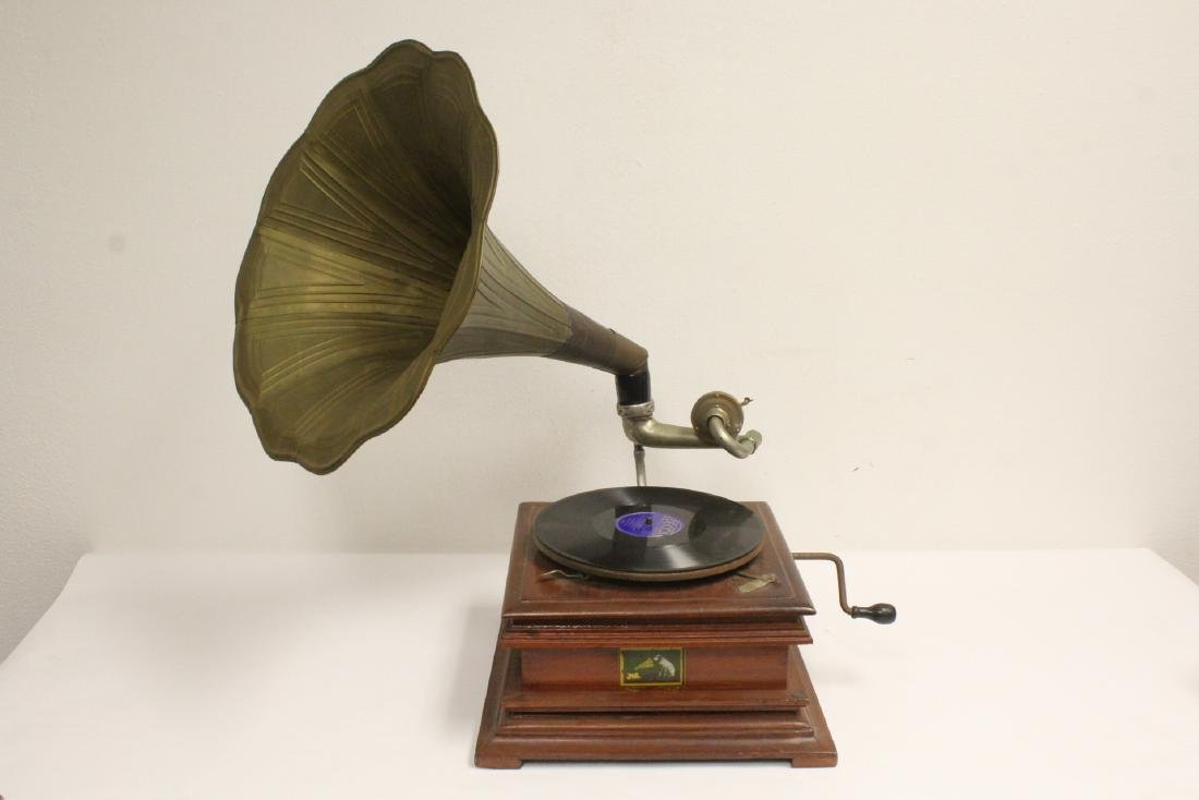 Victorian table top Victrola