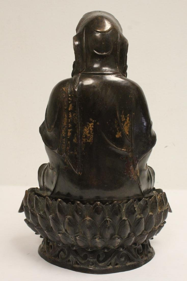 Chinese bronze sculpture of Guanyin on bronze stand - 3