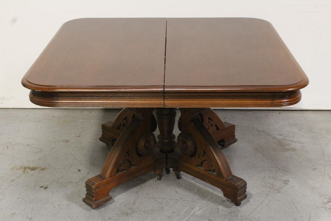 American walnut 19th century dining table
