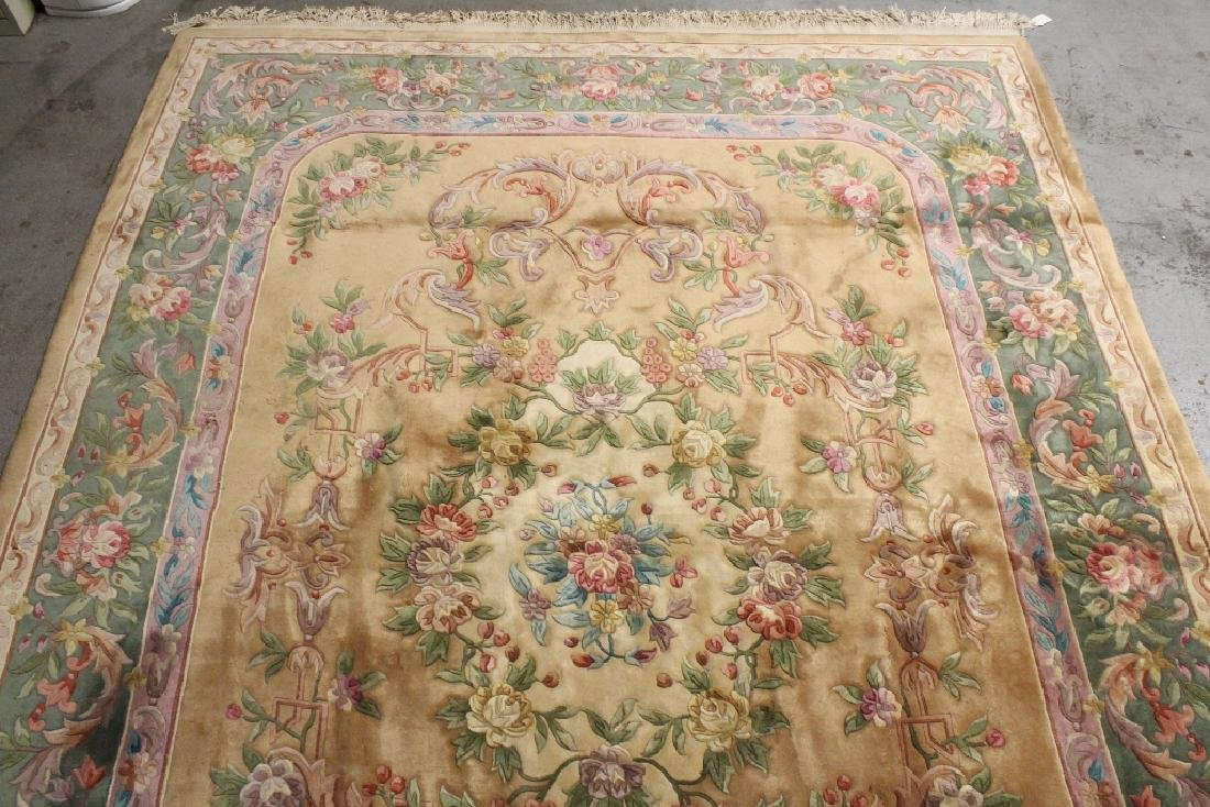 A palace size Chinese rug - 10