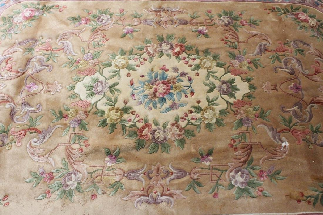 A palace size Chinese rug - 3