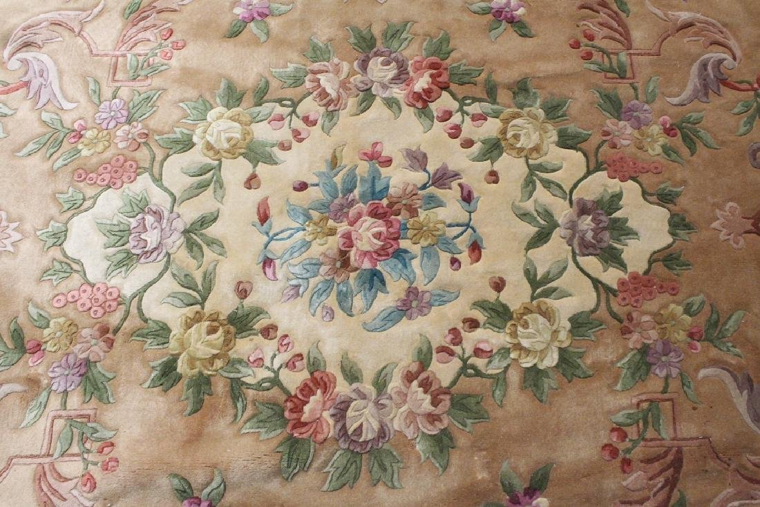 A palace size Chinese rug - 4