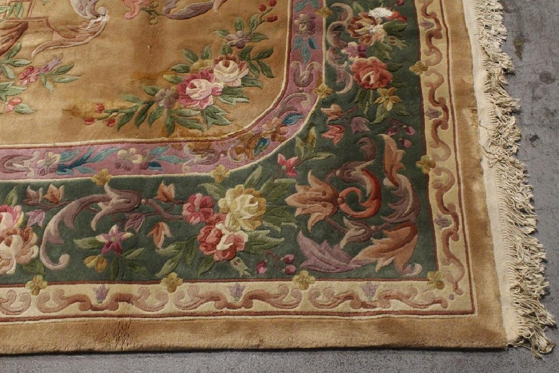 A palace size Chinese rug - 6