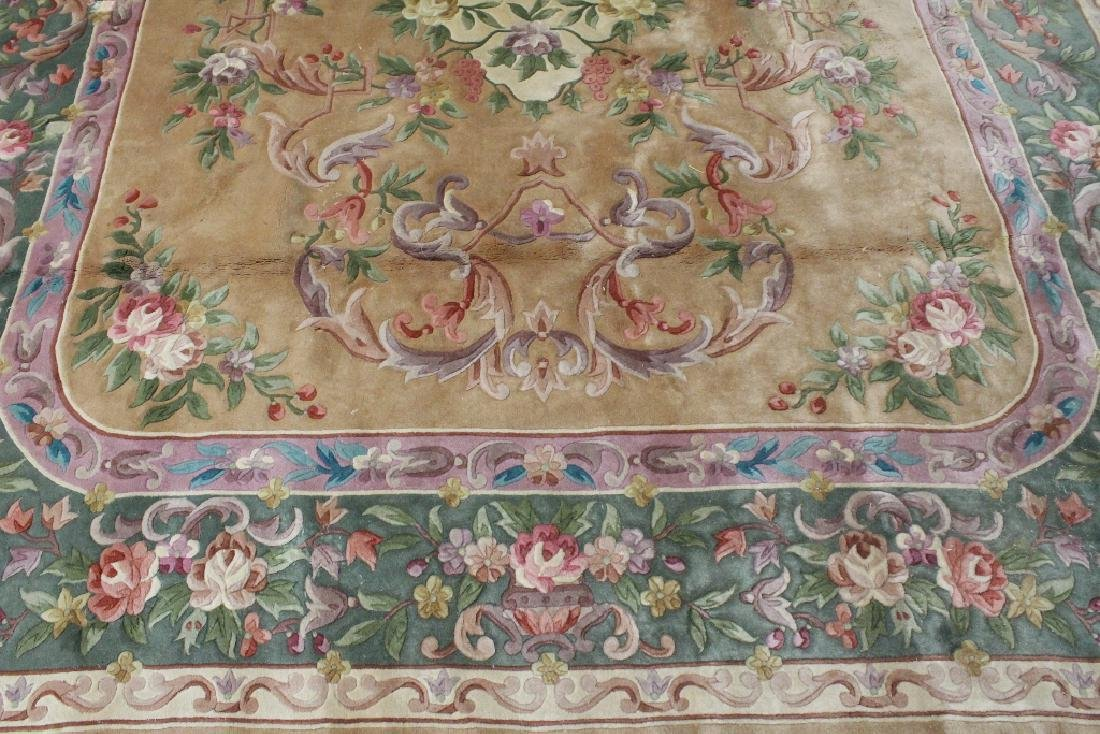 A palace size Chinese rug - 8