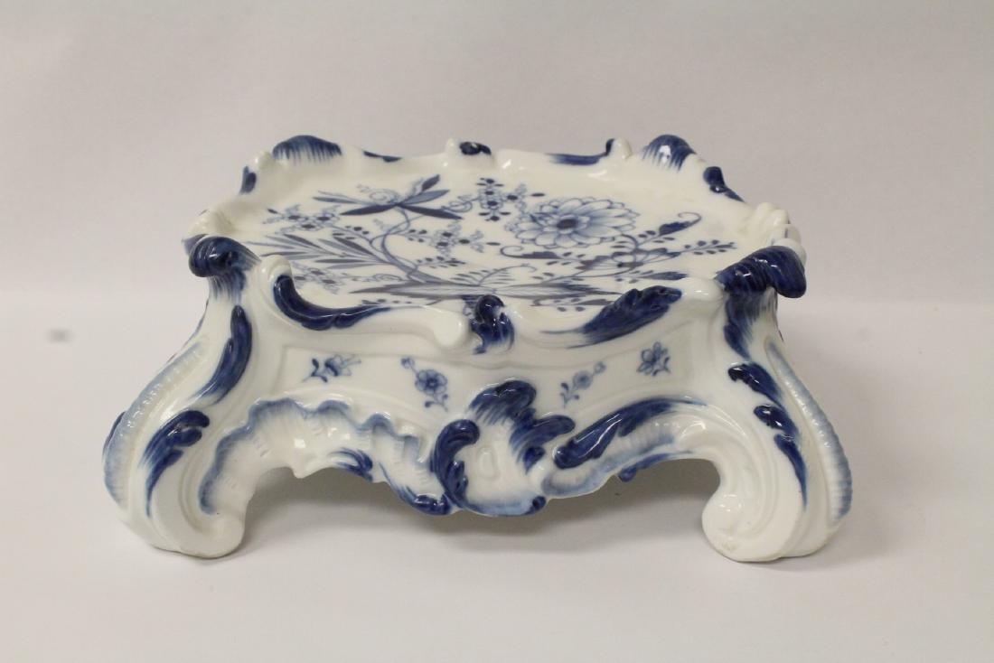 A rare porcelain pedestal by Meissen