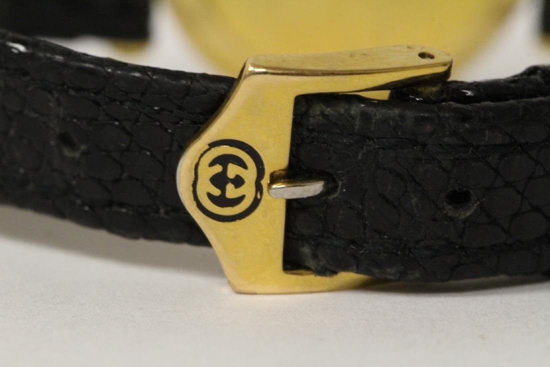 Gucci wrist watch with original band and box - 11