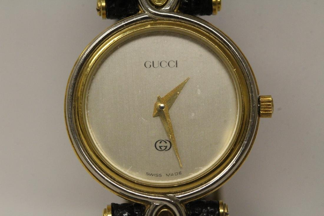 Gucci wrist watch with original band and box - 8