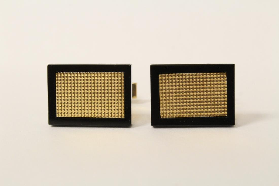 Pair beautiful 14K and onyx cufflinks
