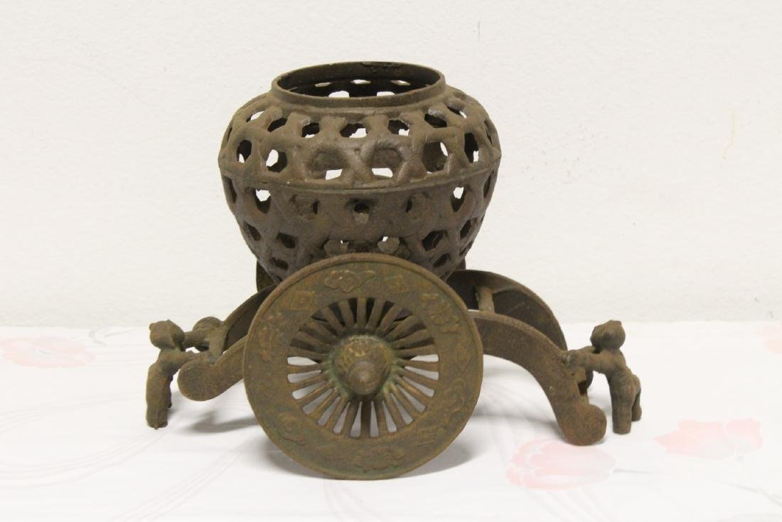 Japanese cast iron ikebana planter - 2