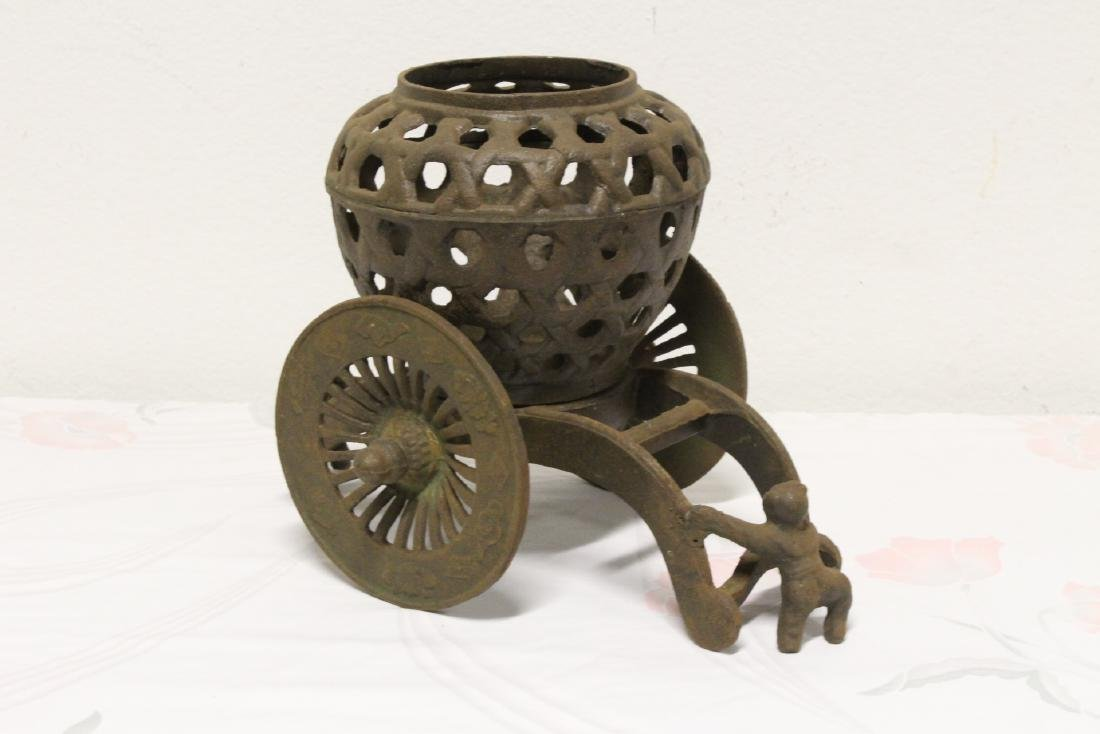Japanese cast iron ikebana planter - 3