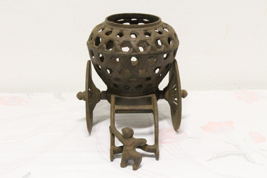 Japanese cast iron ikebana planter - 4