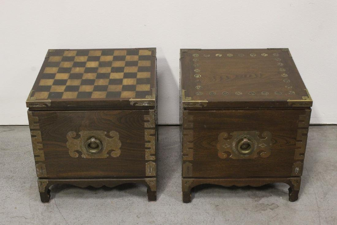 2 Chinese rosewood stands