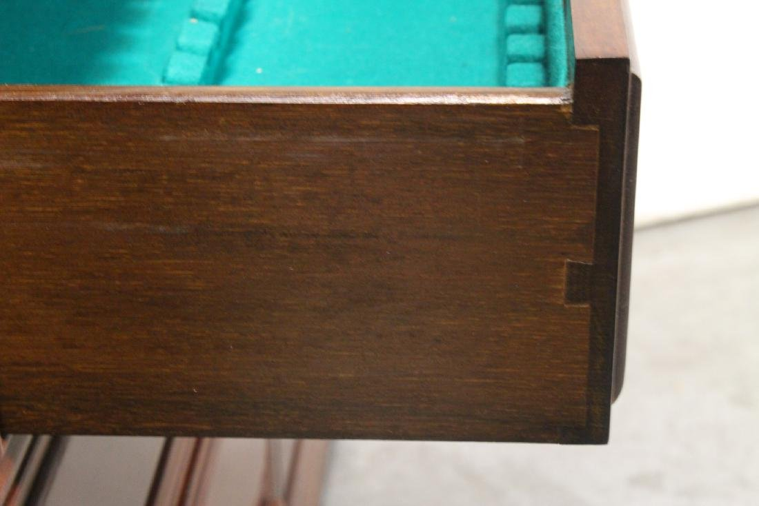 Fine Chinese rosewood cabinet - 10