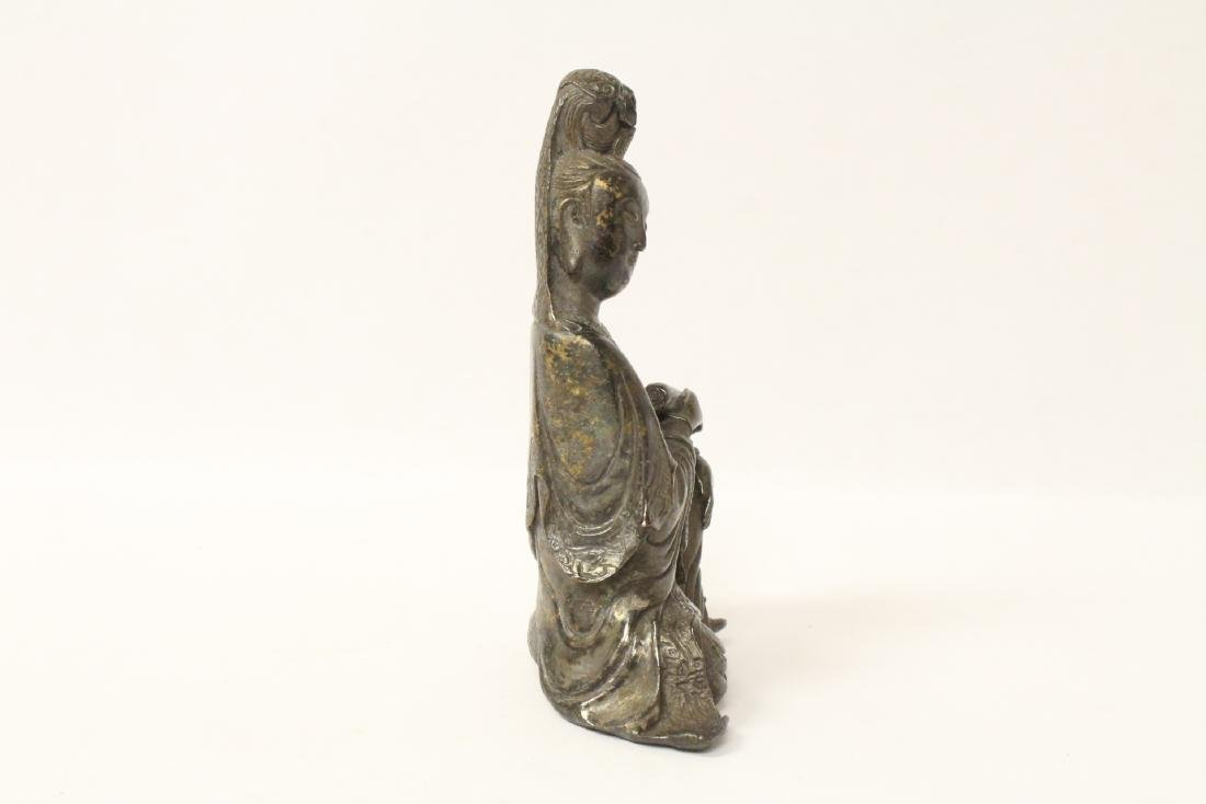 Chinese small bronze sculpture of Guanyin - 3