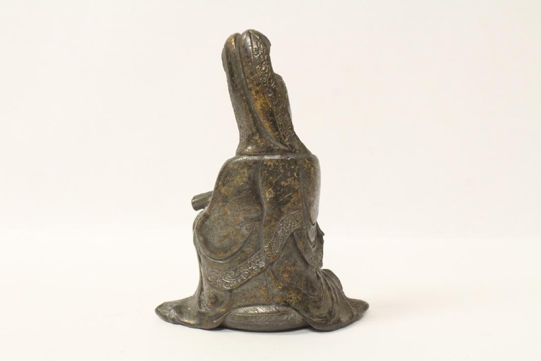Chinese small bronze sculpture of Guanyin - 4