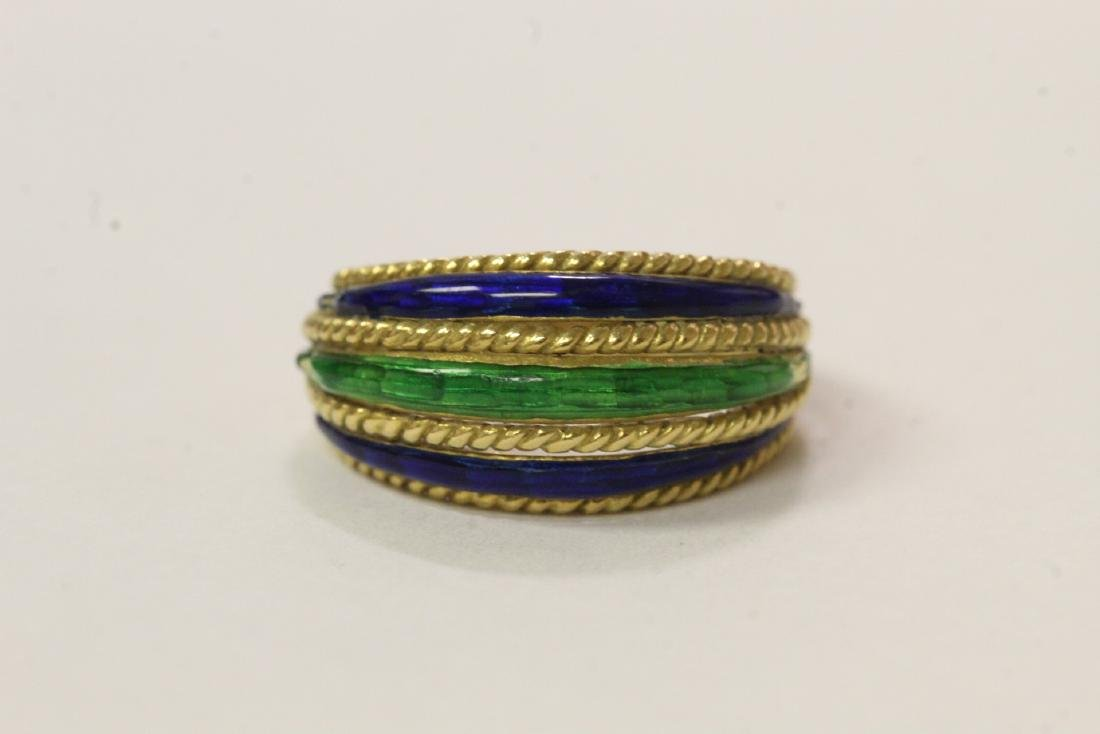 18K ring set with blue and green enamel decoration