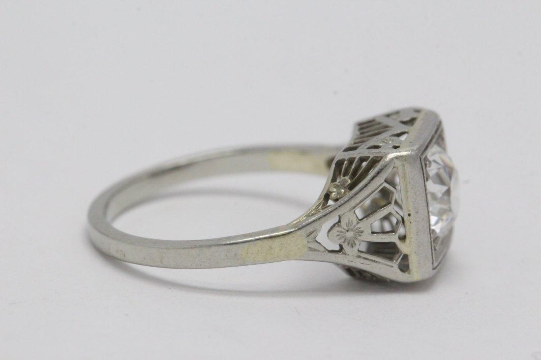 An art deco platinum lady's diamond ring - 9