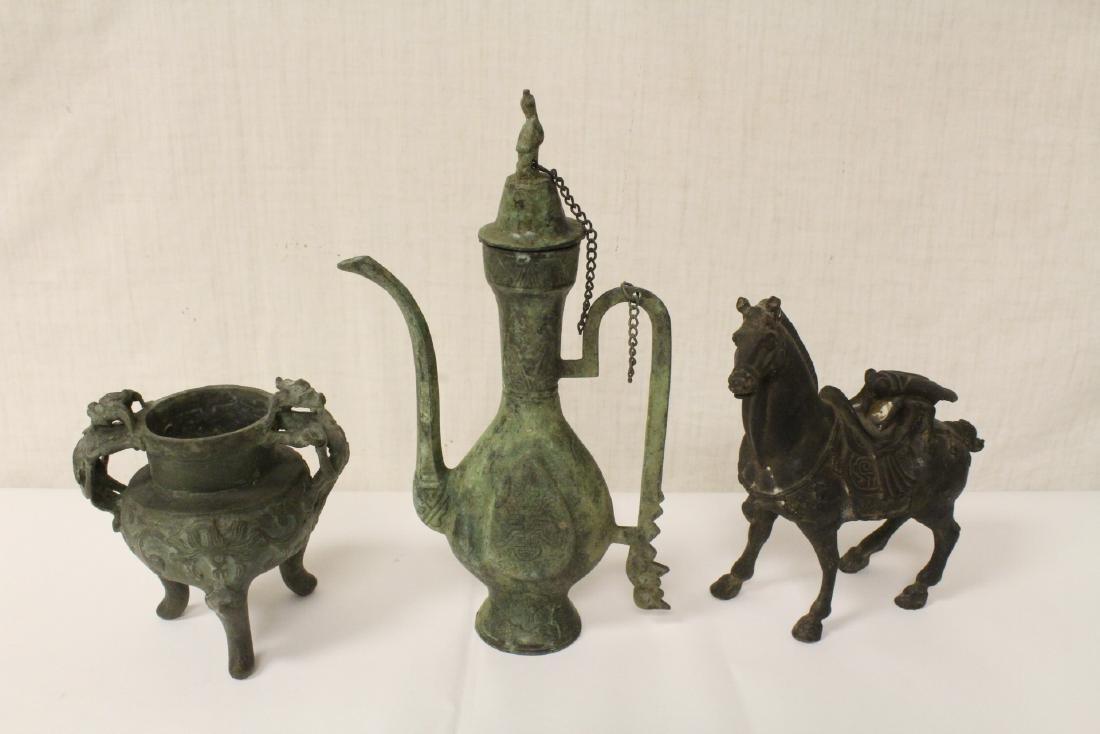 3 bronze items