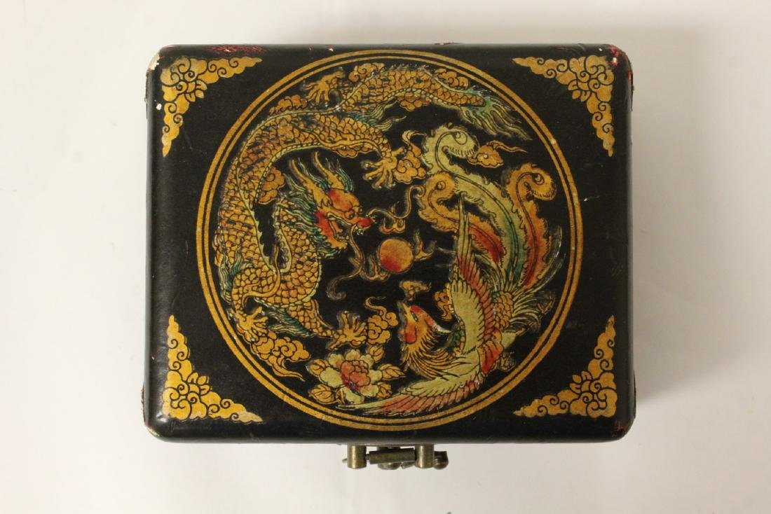 Paiguo game in lacquer box, and a stone inkwell - 11