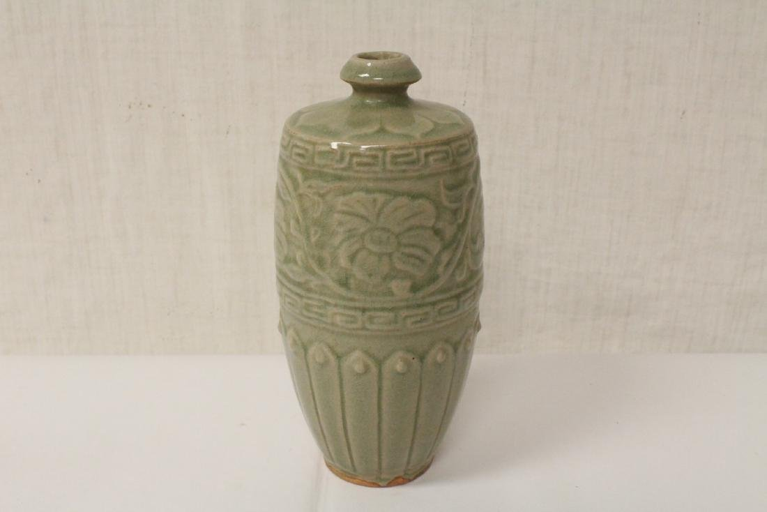 Song style celadon vase - 3