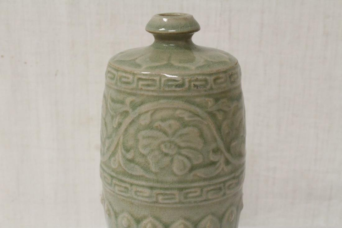Song style celadon vase - 5
