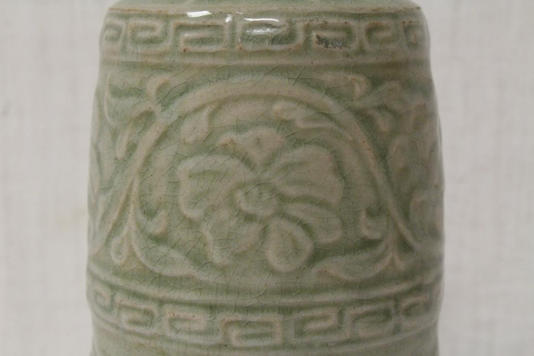 Song style celadon vase - 8