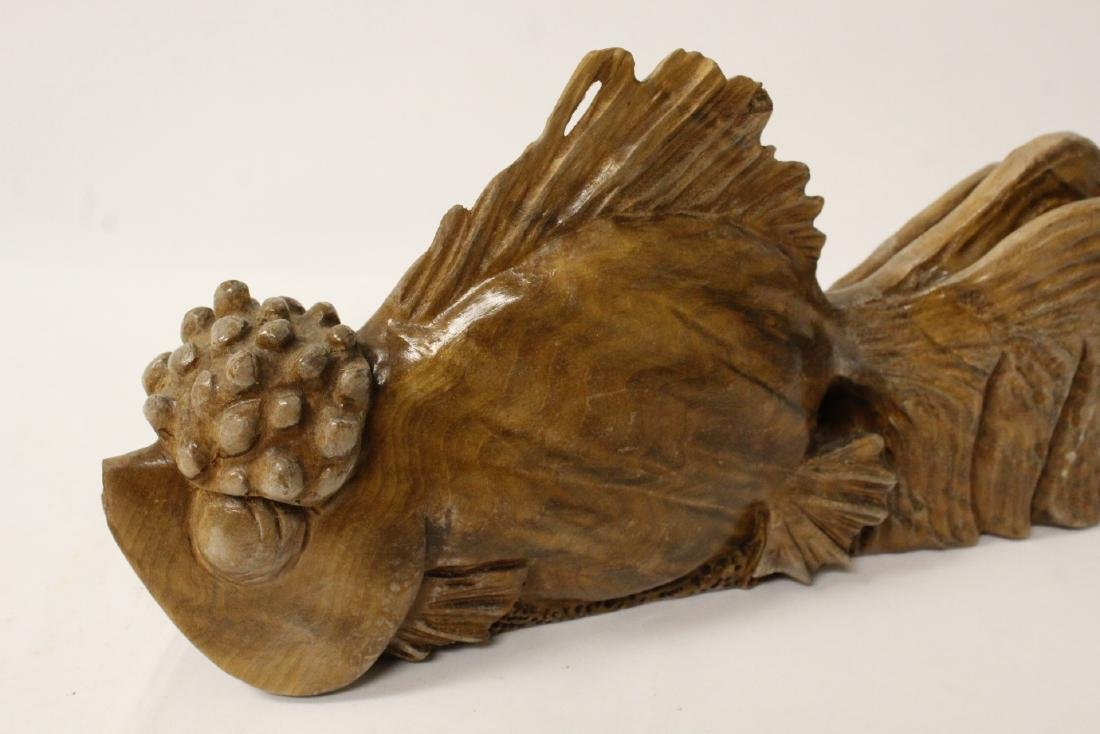 A rare Chinese wood carved fish - 9