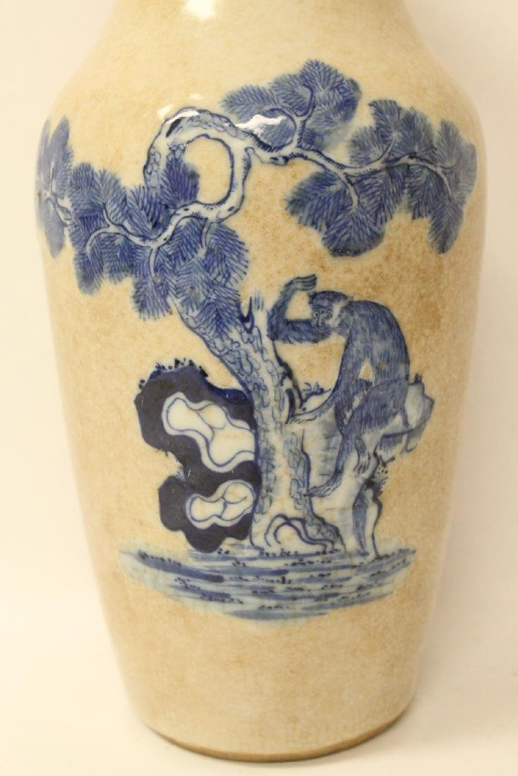 Chinese antique crackle porcelain vase - 4