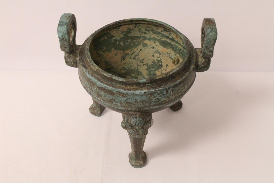 Chinese archaic style bronze covered ding - 9